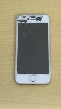 iPhoneSE ガラス割れ
