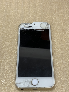 iphoneSE Repair ガラス割れ液晶不良