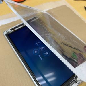 iPad Repair ガラス割れ