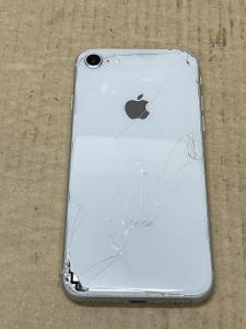 iPhone Repair 背面ガラス割れ修理