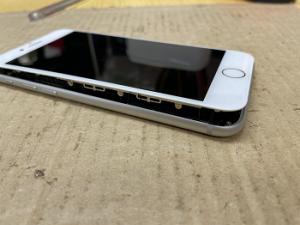iPhone Repair バッテリー膨張